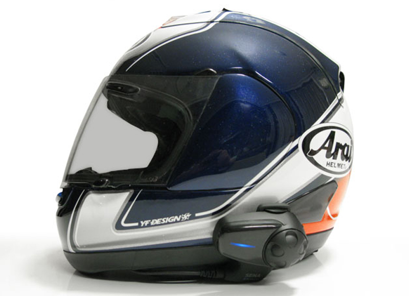 SMH10 montiert an einem Arai RX7 / RR5